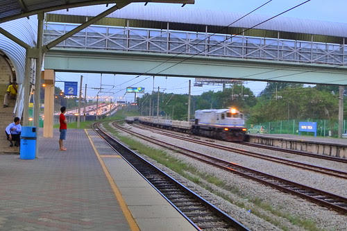 Batu Tiga train station 3
