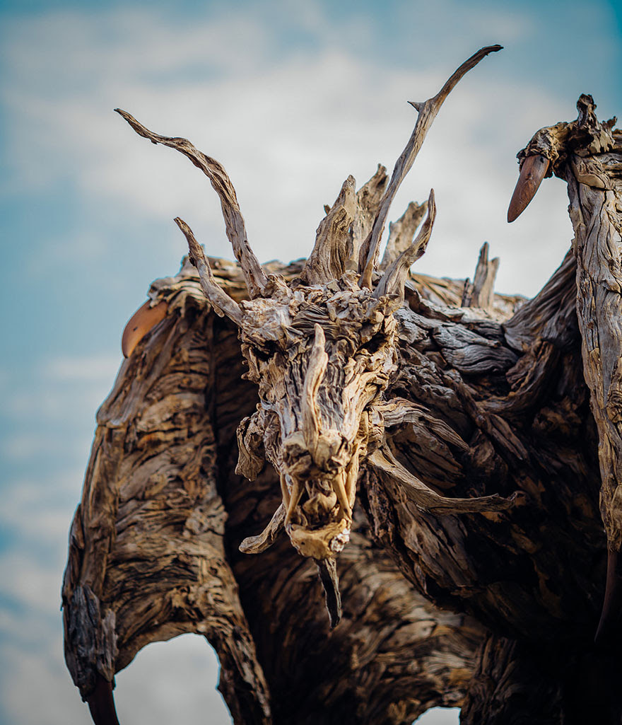 esculturas-criaturas-madera-deriva-james-doran-webb (17)