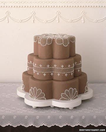 Eliza 's blog: Elegant two tier wedding cake indo muslim