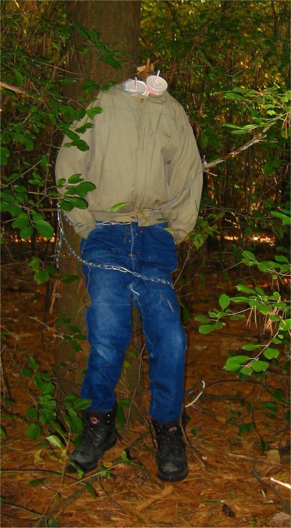 Lapham Peak Fright Hike 2005 - headless man as a fast food cup holder - soul-amp.com