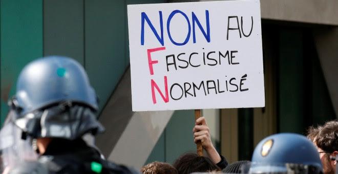 Imágenes de las protestas en París. REUTERS/Gonzalo Fuentes