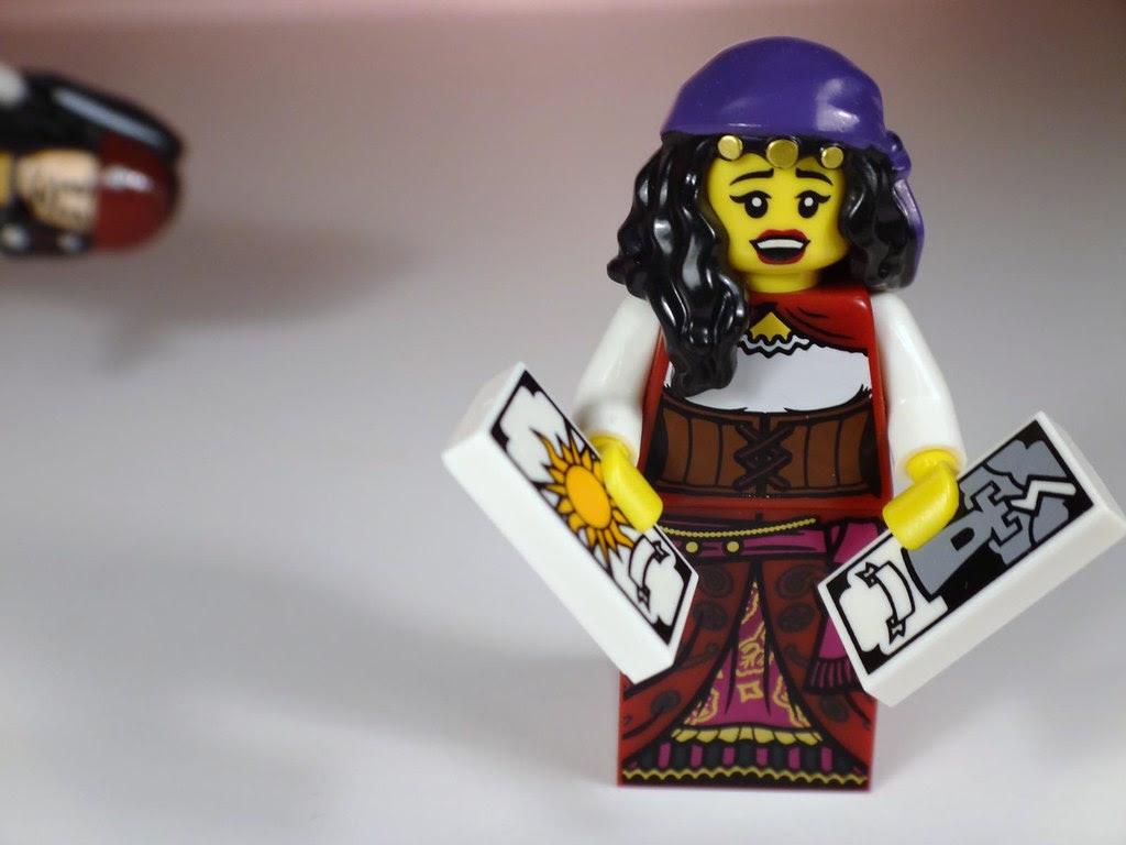 lego minifig series 9 fortune teller gypsy tarot