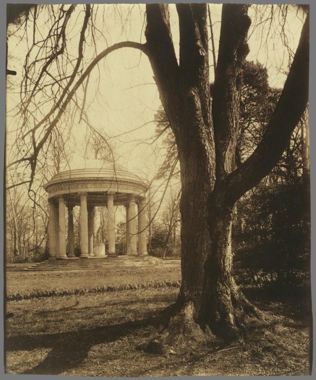 Atget Paris Petit Trianon 624x750 Le Paris de 1900 par Atget  photographie histoire art