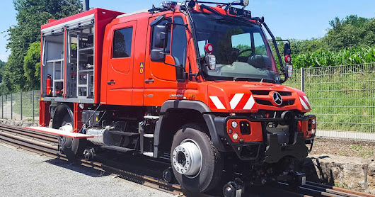 New Mercedes-Benz Unimog Corners Like It's On Rails