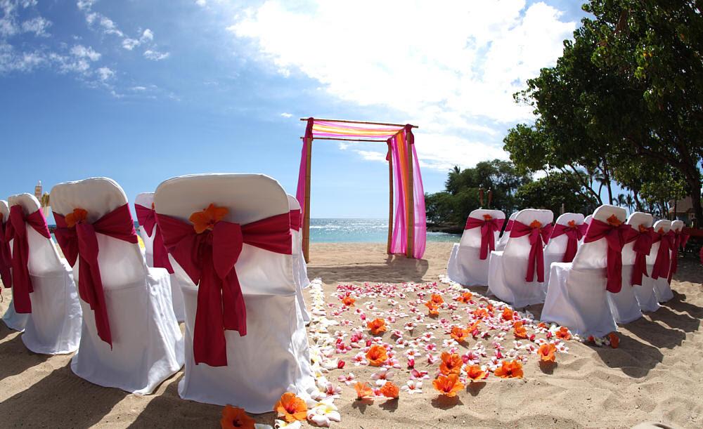 Creative weddings on the beach