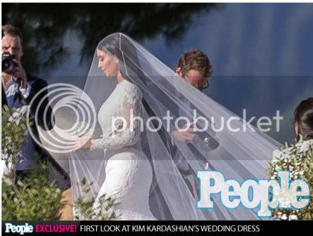 photo Kim-Kardashian-Givency-Dress_zps41c2e371.png