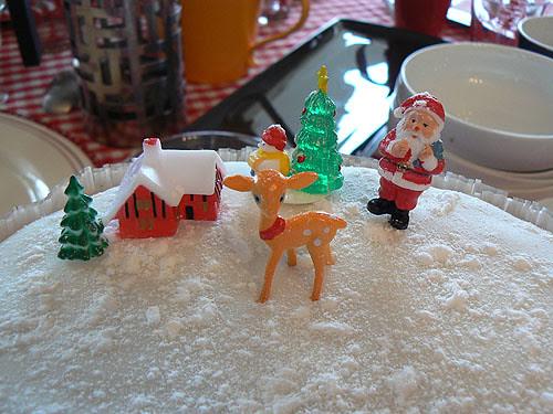 christmas cake décoré.jpg