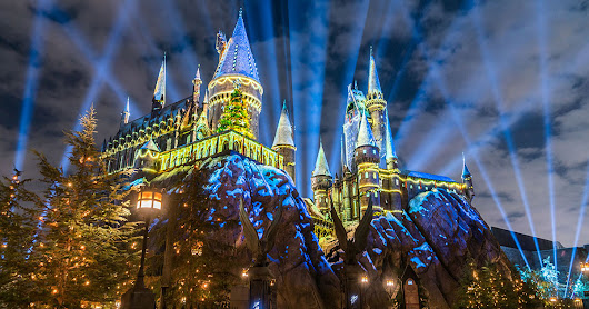 The 9 Holiday Things You HAVE To Do At Universal Orlando Resort