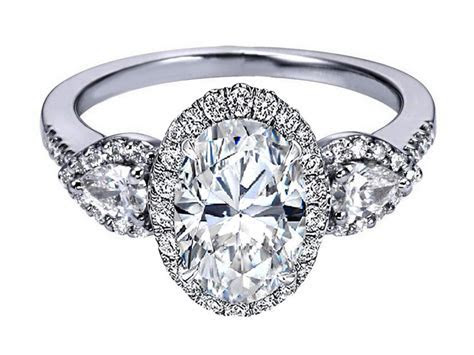 Oval Engagement Ring   Jewelry Exhibition