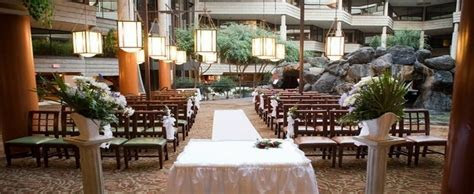 Top 10 Chicagoland Rustic Chic Wedding Venues