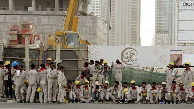Trabalhadores da construção civil em Dubai