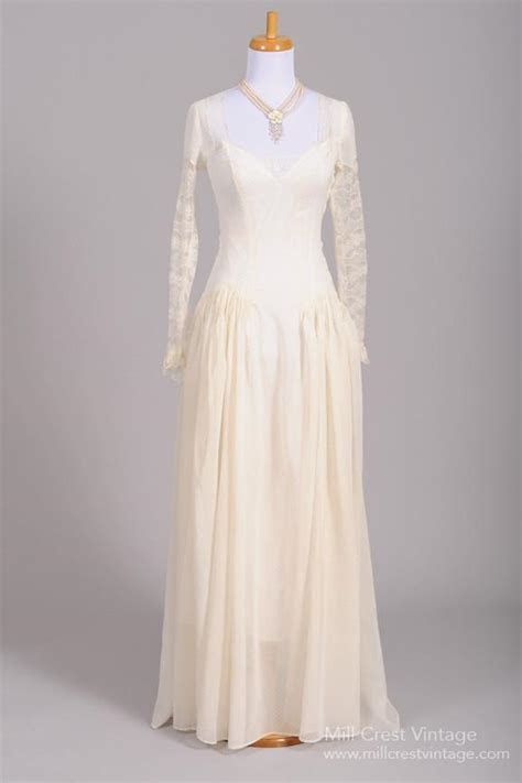 1940?s Dotted Swiss Lace Vintage Wedding Gown