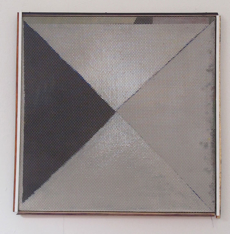 5.-HelenA-Pritchard-Square-Triangle-2006-2015-©-HelenA-Pritchard-Courtesy-the-artist-and-TJ-Boulting-1-768x782