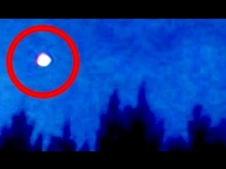 Bright UFO Flies FAST Over WOODS In IDAHO! / OVNI Luminoso Vuela sobre los Bosques de IDAHO