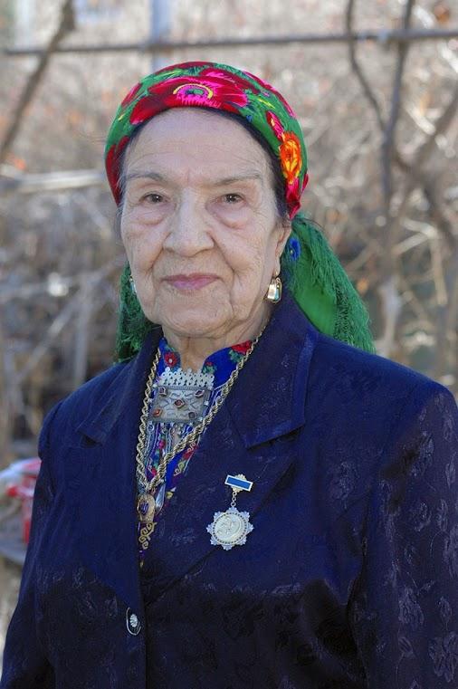 مدت زیادی از یادآوری خاطره هنرمند خلق ترکمن آناگل آناقلیوا و مایا قلیوا سپری نشده بود که خبر وفات این...