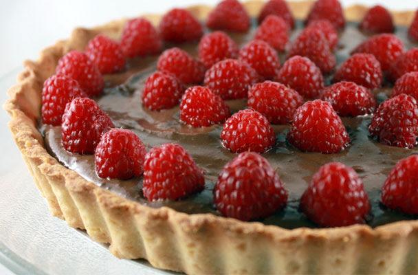 Crostata-al-cioccolato-con-lamponi-ricetta-parliamo-di-cucina