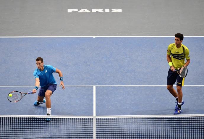 Marcelo Melo e Vasek Pospisil foram eliminados na semifinal do Masters 1000 de Paris, na França - tênis (Foto: Dan Mullan/Getty Images)