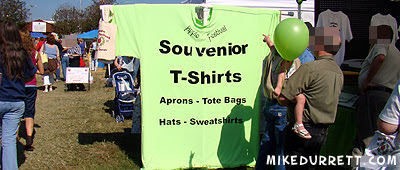 Giant shirt printed with message: Souvenior T-Shirts