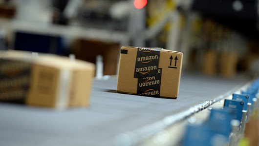 Postal Service to Make Sunday Deliveries for Amazon