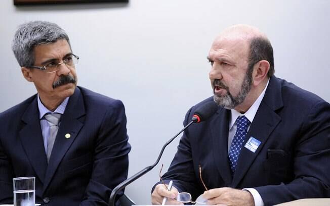 O dono da empresa UTC, Ricardo Pessoa(direita), que delatou ter repassado pelo menos R$ 62 milhões em propina