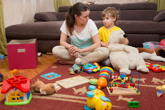 An over-abundance of toys may stifle toddler creativity