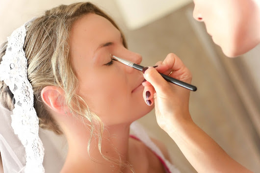 Tips for Choosing a Bridal Makeup Artist for Your Wedding Day