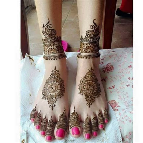 Floral Style Foot & Leg Mehndi Designs   Fashion Beauty