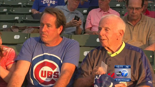 Former Cubs bat boy with Alzheimer's returns to Wrigley Field |