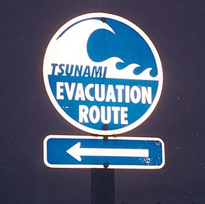 Tsunami Evacuation Route signage south of Aber...