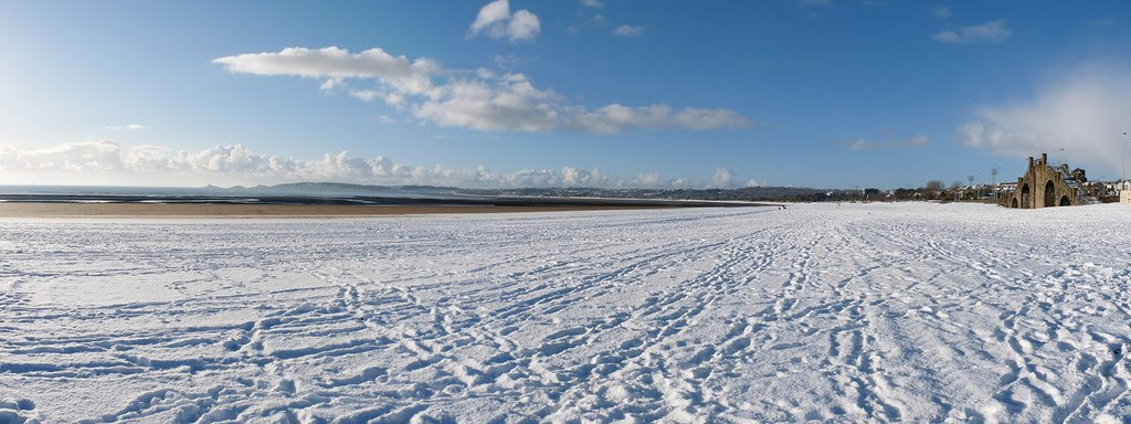 23773 - Swansea beach under snow