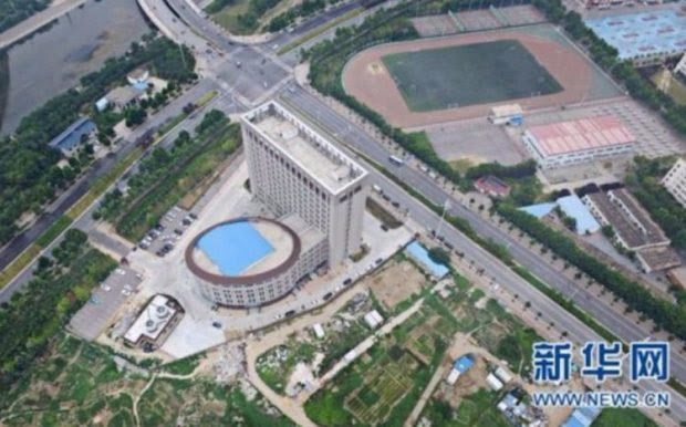 toilet_building_3