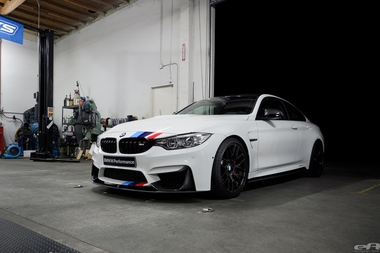 Alpine White F82 M4 Featured In BMW NA SEMA Booth 5 750x500 Alpine White F82 M4 Featured at BMW SEMA booth