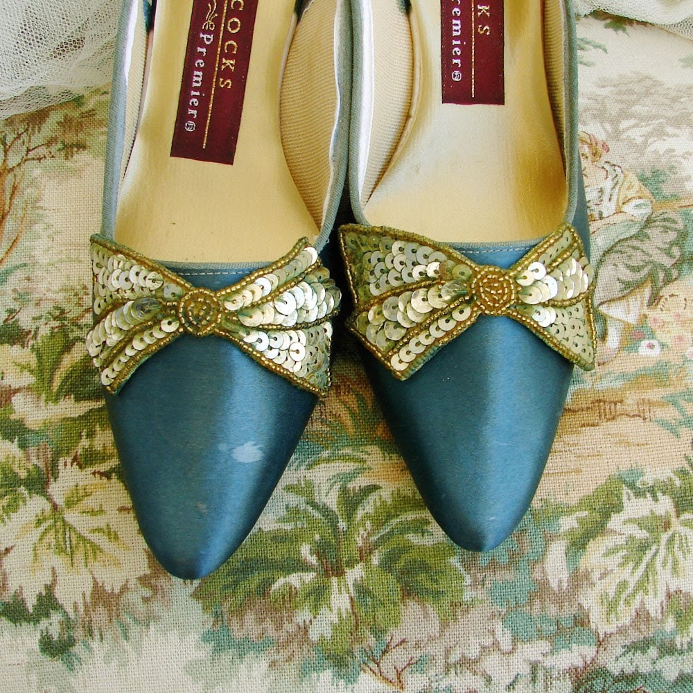 Vintage GREEN satin GOLD Bow shoes