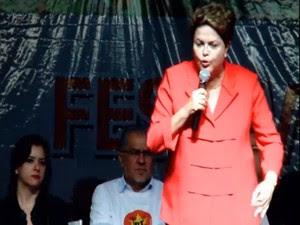 A presidente Dilma Rousseff discursa durante o Festival de Política, Arte e Cultura da Juventude do PT, em São Paulo (Foto: Reprodução)