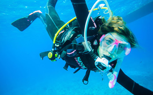 PADI Women's Dive Day is July 16: Discover (or rediscover) scuba diving - Pitstops for Kids