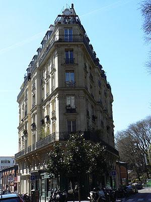 flat iron à Montmartre.jpg
