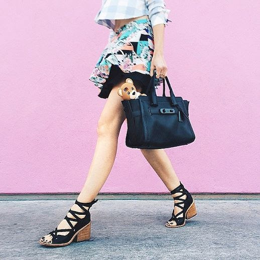 Le Fashion Blog Shoe Crush Tibi Finch Black Sandals Aniab Ania Boniecka Instagram Pink Wall Tote Bag Print Skirt photo Le-Fashion-Blog-Shoe-Crush-Tibi-Finch-Black-Sandals-Aniab-Ania-Boniecka-Instagram-Pink-Wall-Tote-Bag-Print-Skirt.jpg
