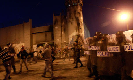 clashes-palestinian-riot-police-r-010
