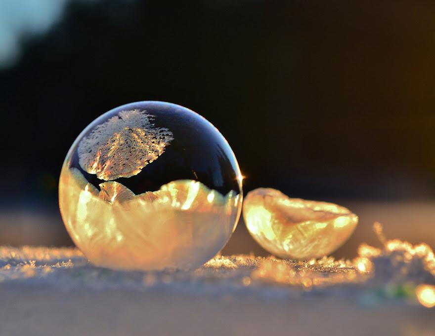 http://www.boredpanda.com/frozen-bubbles/