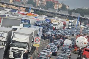 """Sciopero tir in tutta Italia Cancellieri: """"Siamo molto attenti"""""""