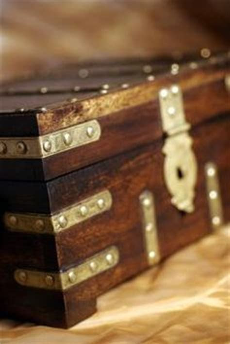 1000  images about DIY wood treasure chest on Pinterest