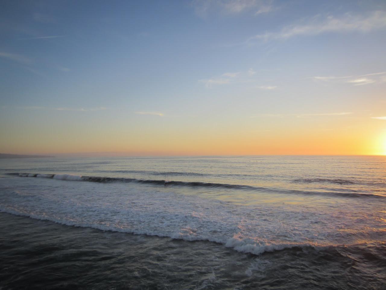 woda, życie, h2o, słońce, niebo, plaża,  budowa cząsteczki wody; źródło: Free Nature Stock