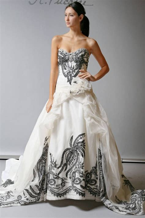 10 Beautiful 2013 Wedding Gowns by St. Pucchi