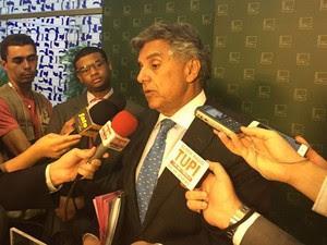 O primeiro-secretário, deputado Beto Mansur (PRB-SP), dá entrevista na Camara (Foto: Nathalia Passarinho / G1)