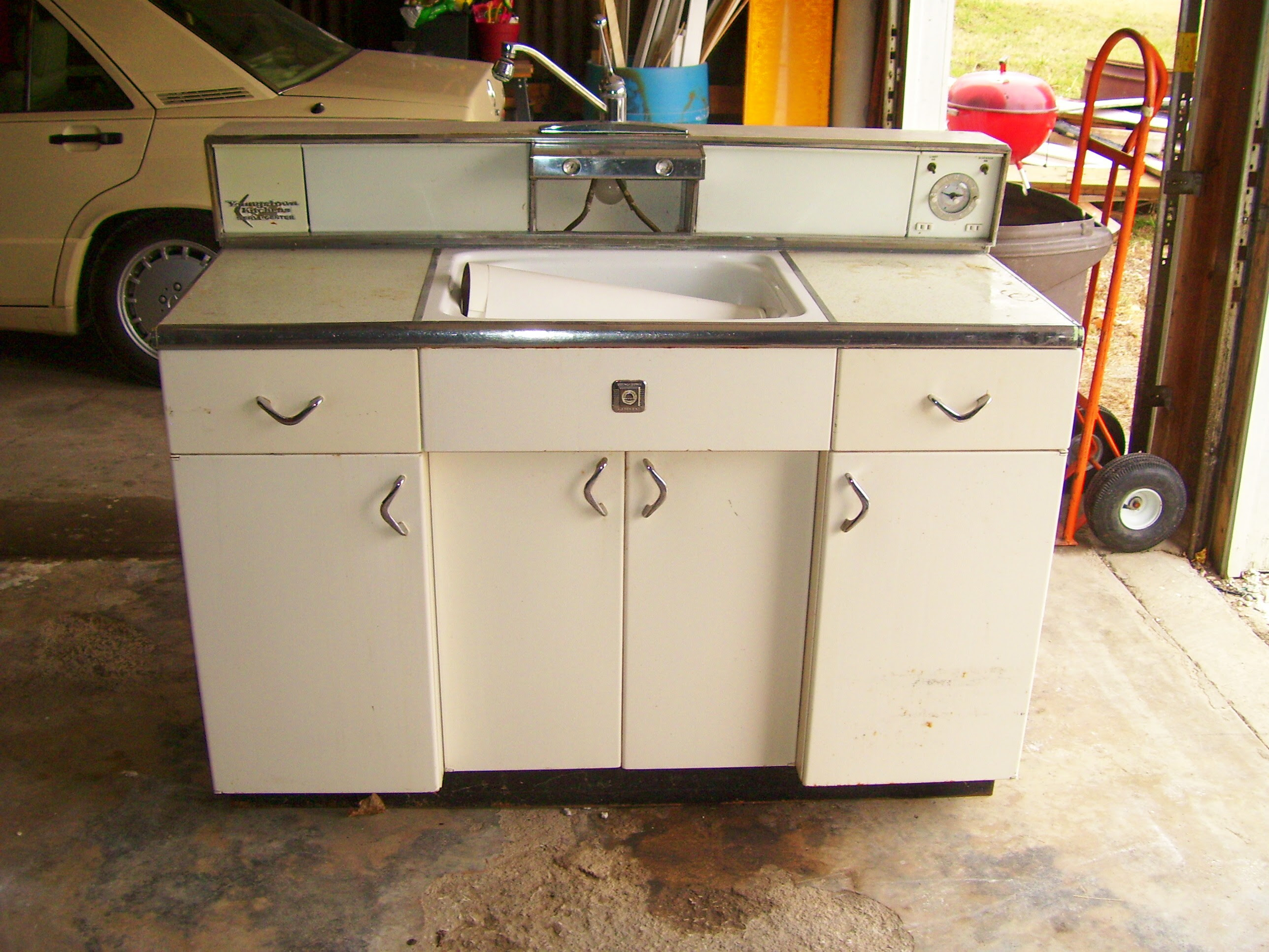 Vintage Kitchen Metal Cabinets - Vintage Kitchen Blog