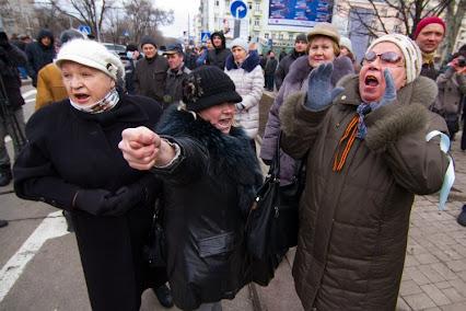 На Луганщине эпицентром агрессии террористов стала Станица Луганская. Ситуация возле Донецка значительно обострилась, - спикер АТО - Цензор.НЕТ 2342