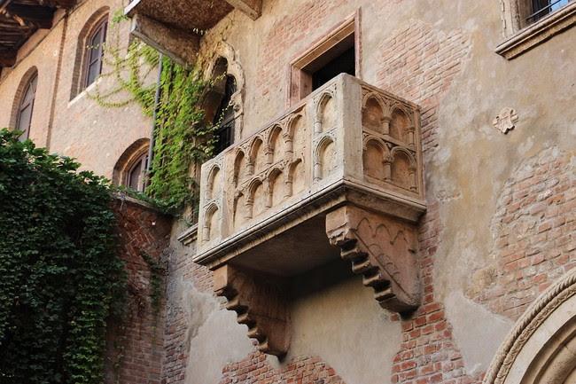 Balcony 2984316 960 720