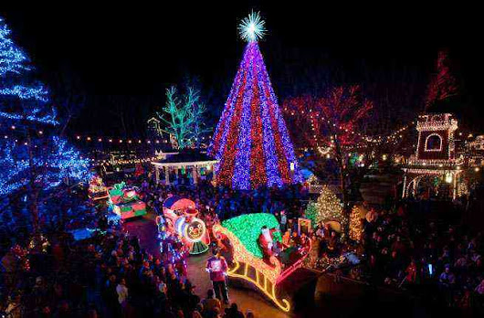 10 U.S. Towns with Incredible Christmas Celebrations