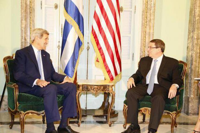 Canciller cubano. Bruno Rodríguez, recibe a John Kerry.
