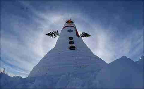 Ο μεγαλύτερος χιονάνθρωπος του κόσμου